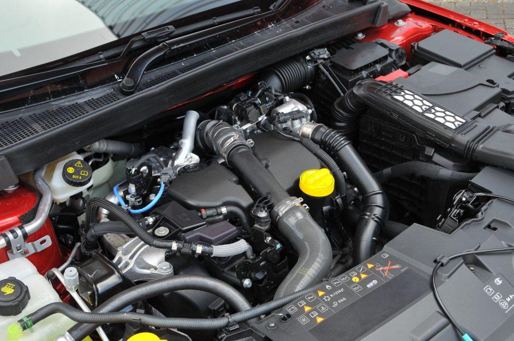 شكل محرك سيارة رينو ميجان 2021