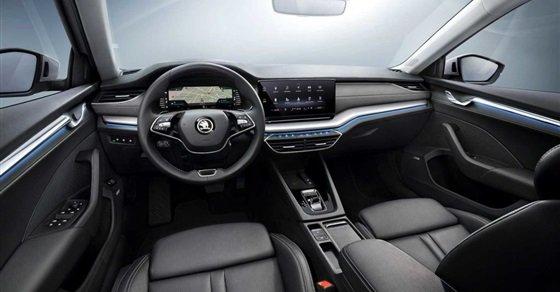 شكل سيارة سكودا أوكتافيا A8 2021 من الداخل