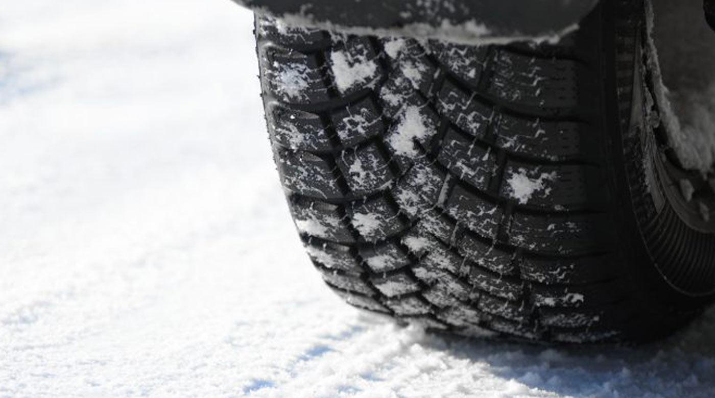 نصائح لإطارات السيارة أثناء فصل الشتاء