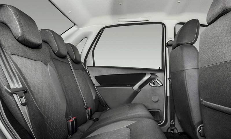 شكل سيارة لادا جرانتا الفئة الثالثة من الداخل